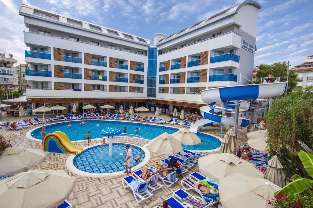 81374834Blue Wave Suite Hotel 1