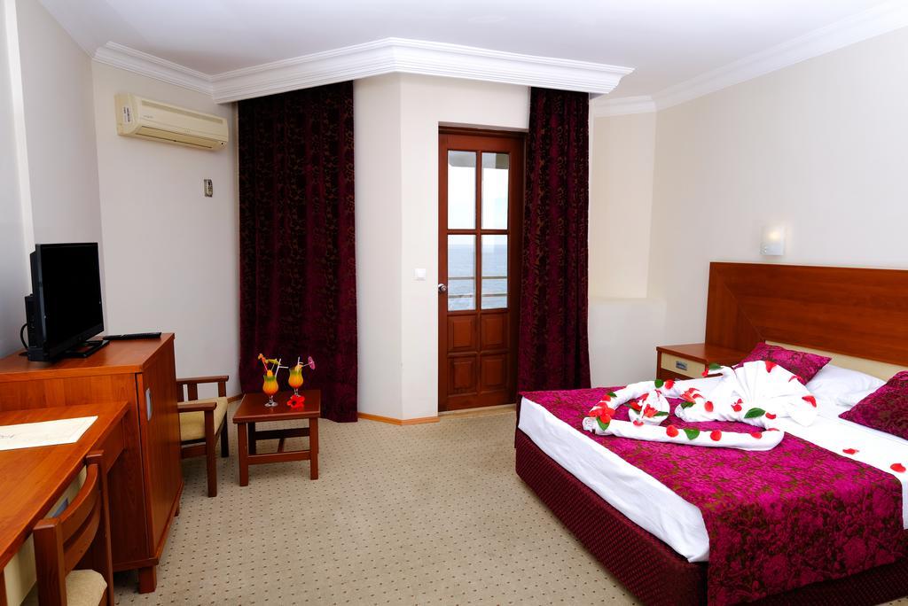 Anitas Hotel4