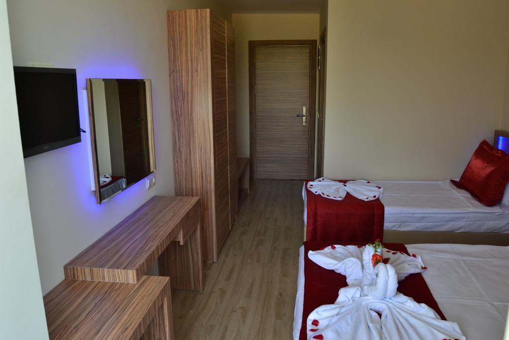 Belmare Hotel 9