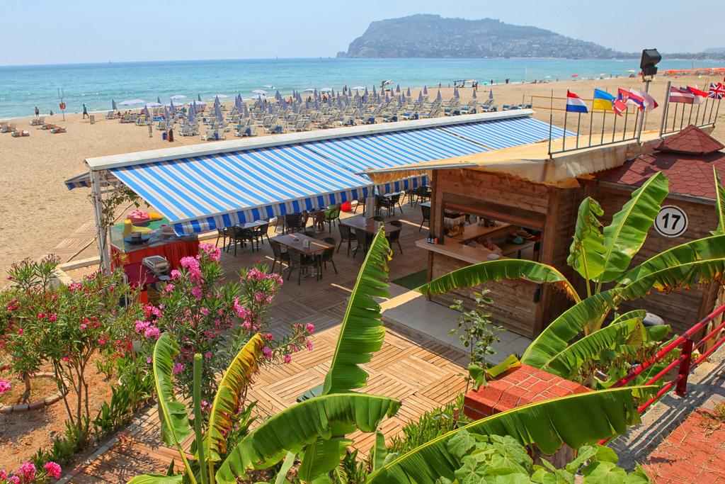 Blue Wave Suite Hotel 3