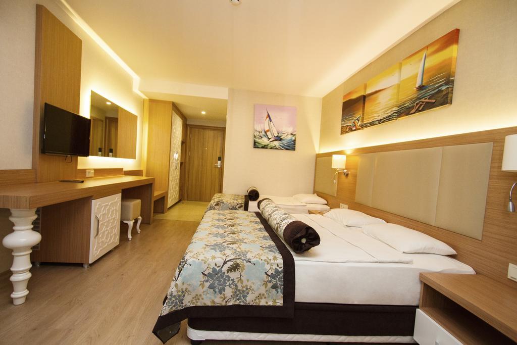 Blue Wave Suite Hotel 4