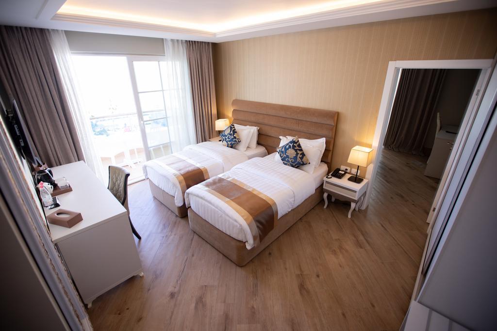 Grand Blue Fafa Resort 9