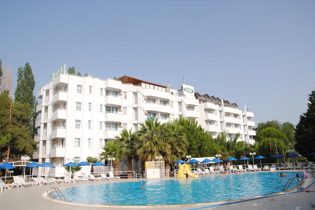 Hotel Flora Suites 1