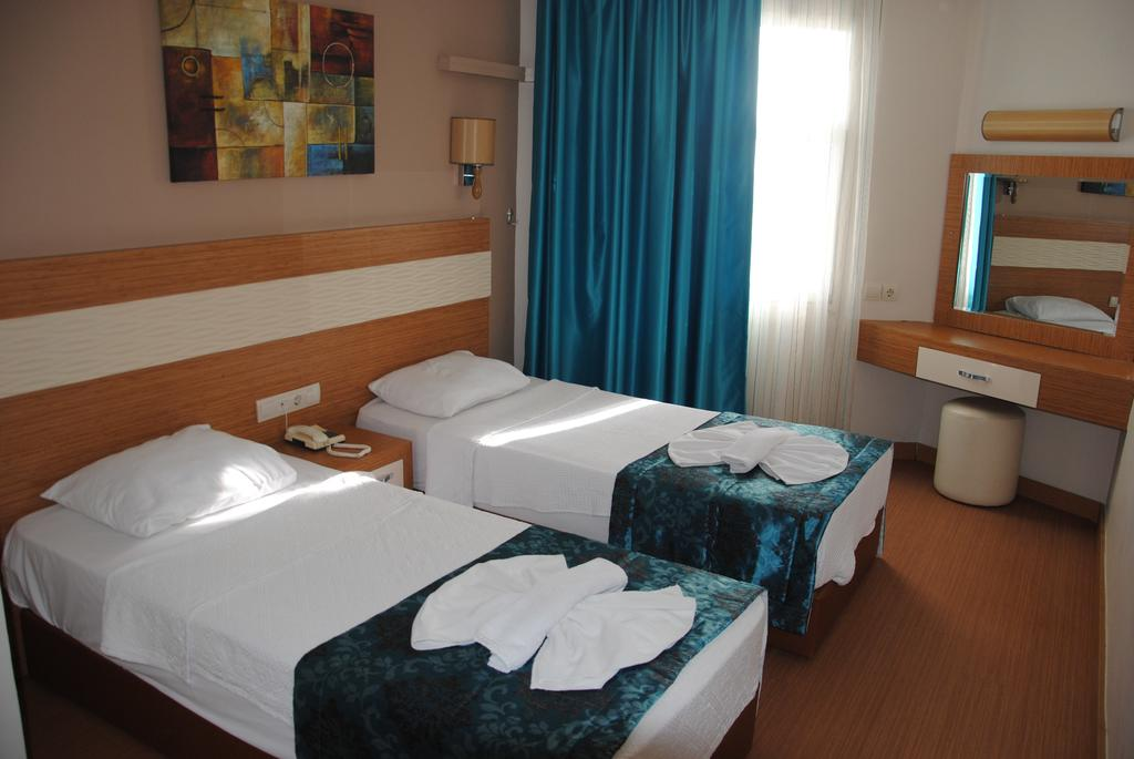 Hotel Flora Suites 6