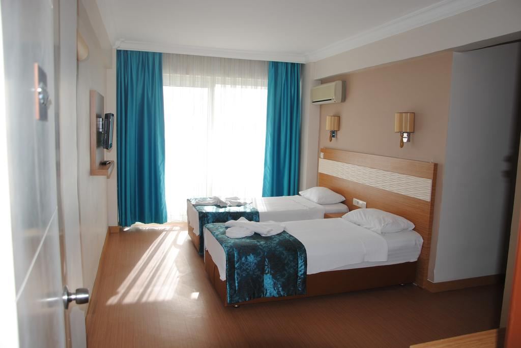 Hotel Flora Suites 7
