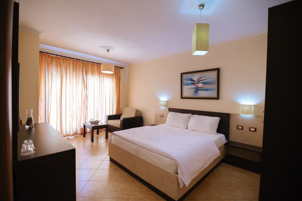 Hotel Ibiza 3