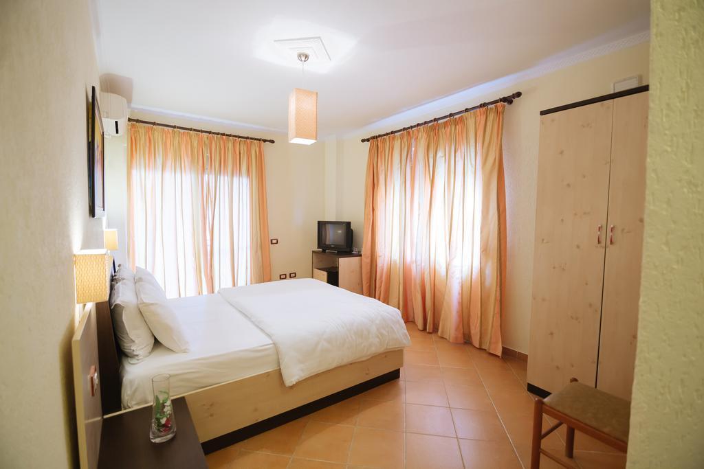 Hotel Ibiza 4