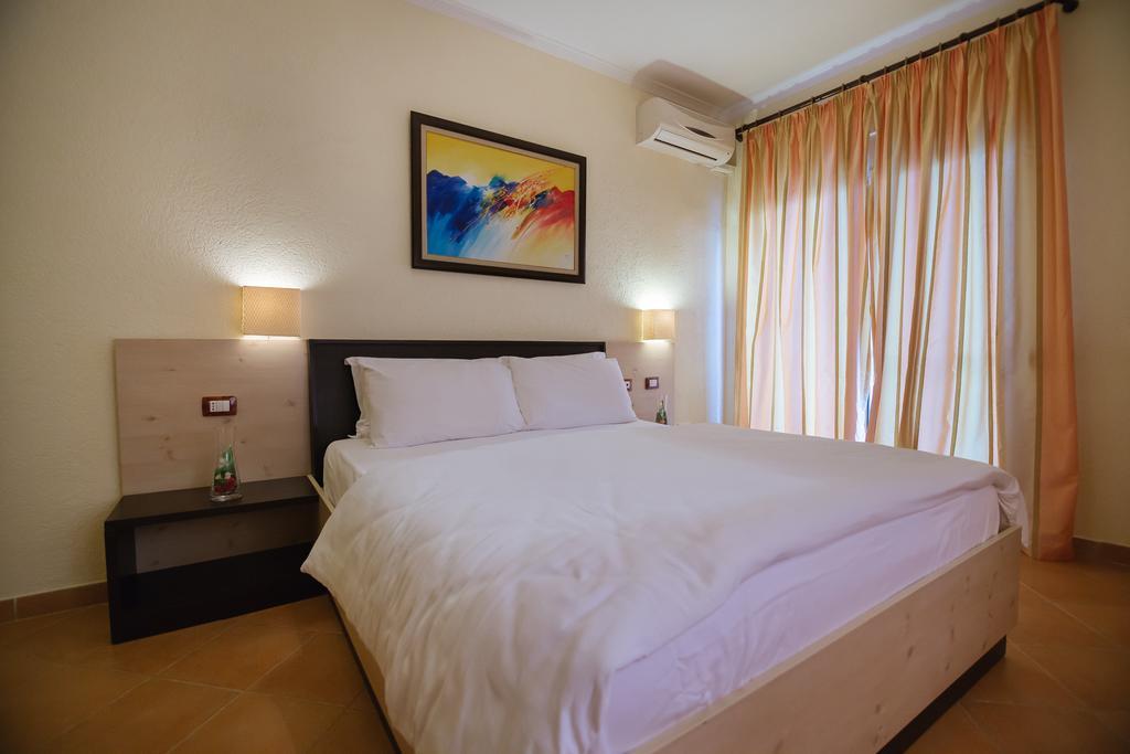 Hotel Ibiza 5