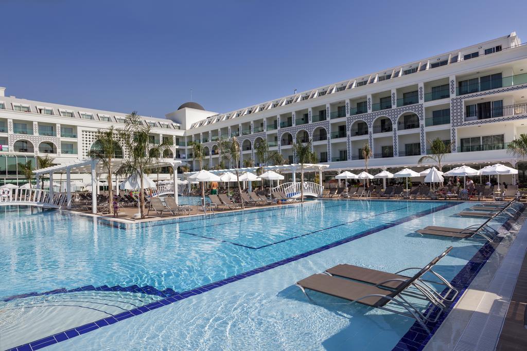 The Sense De Luxe Hotel3