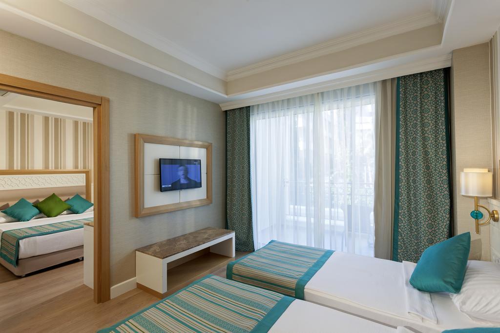 The Sense De Luxe Hotel4