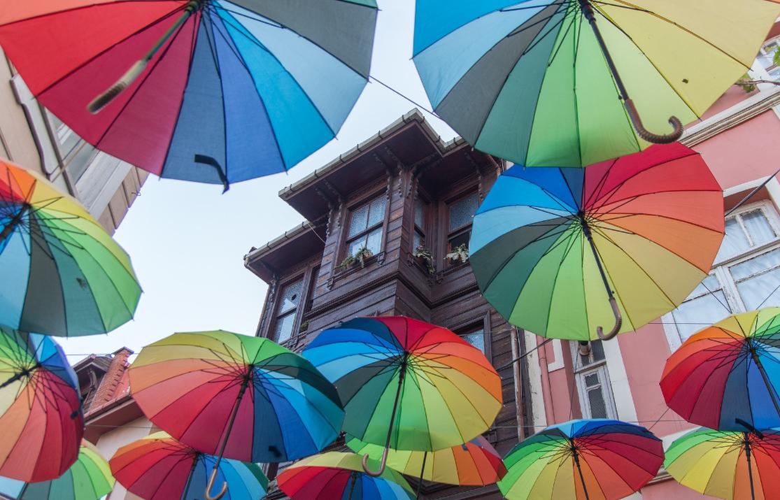 umbrellas-3389166_1920