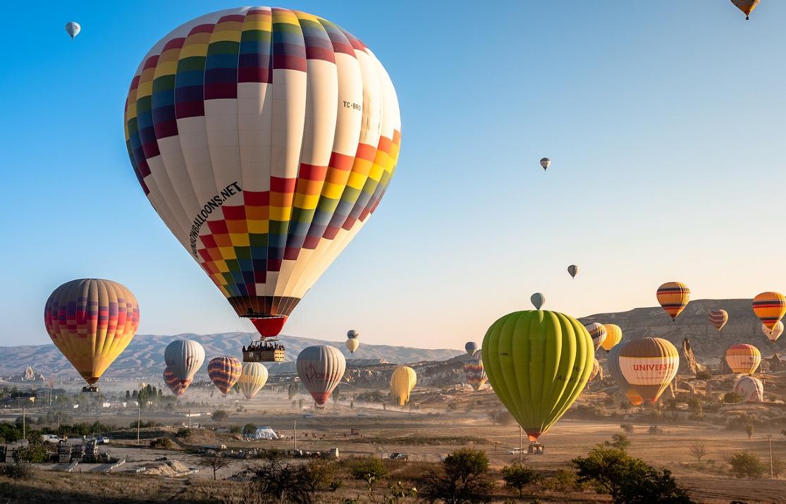 hot-air-balloons-4561267_1280 (1)