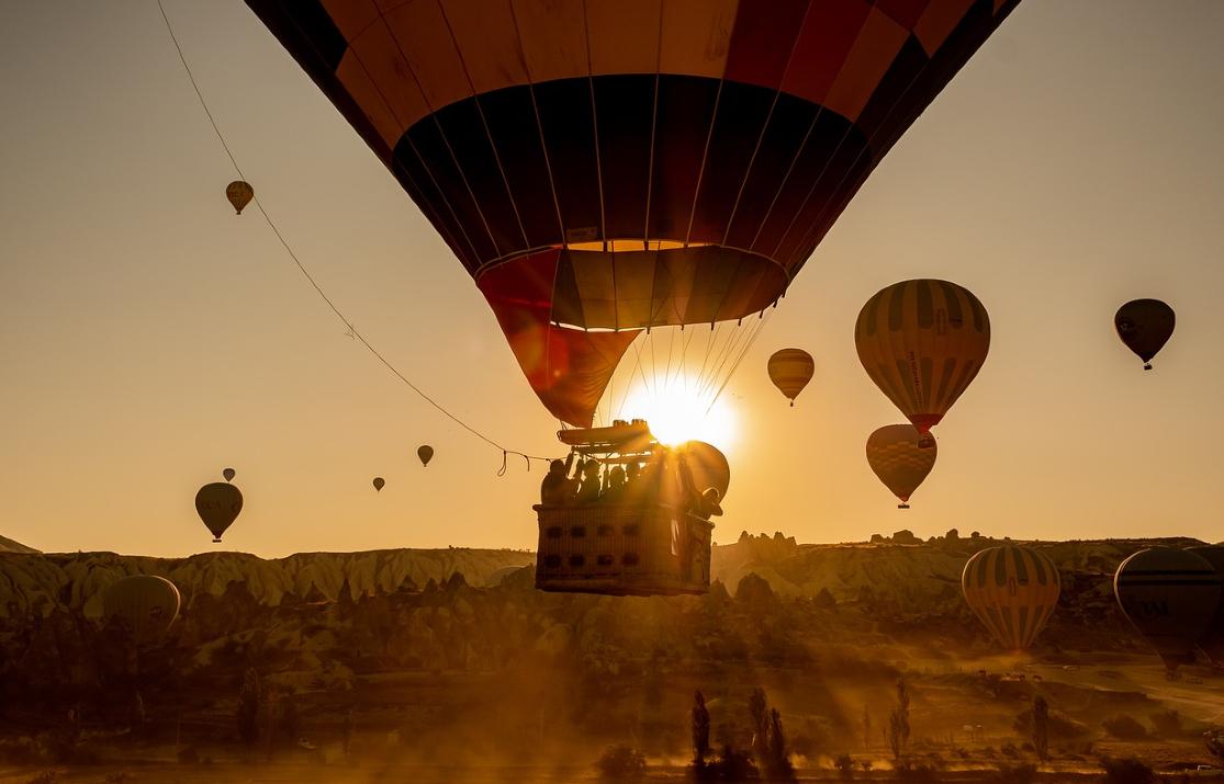 hot-air-balloons-4561269_1280 (1)