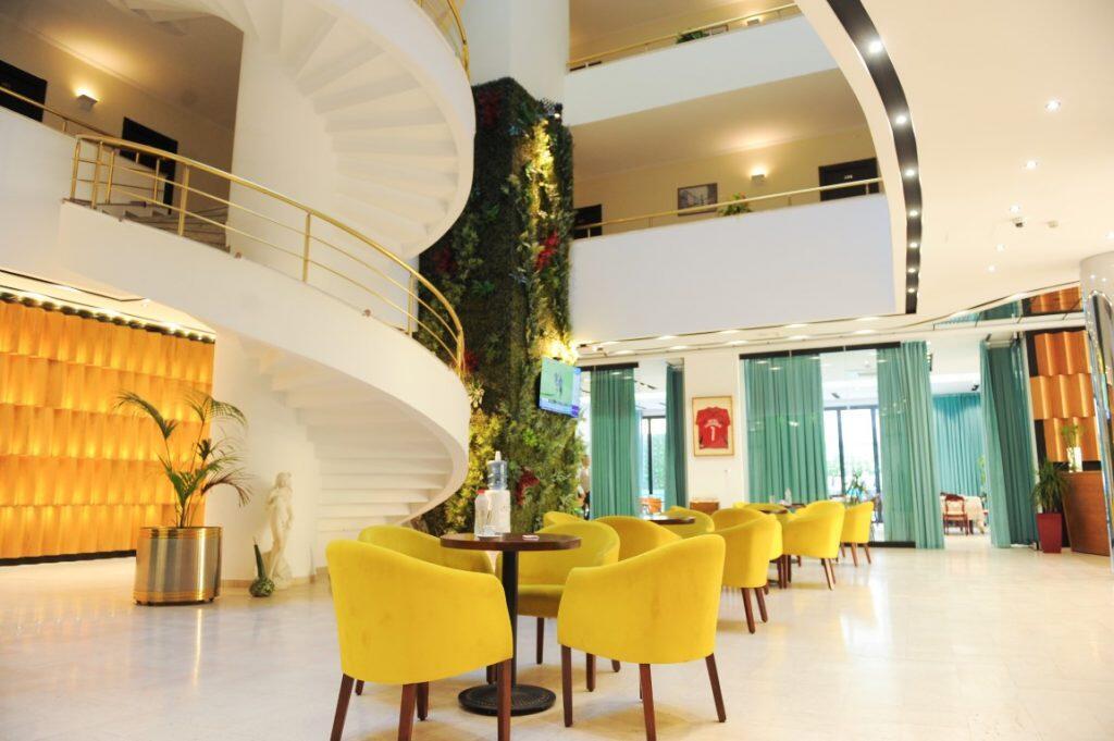 hotel Leonardo loby 3